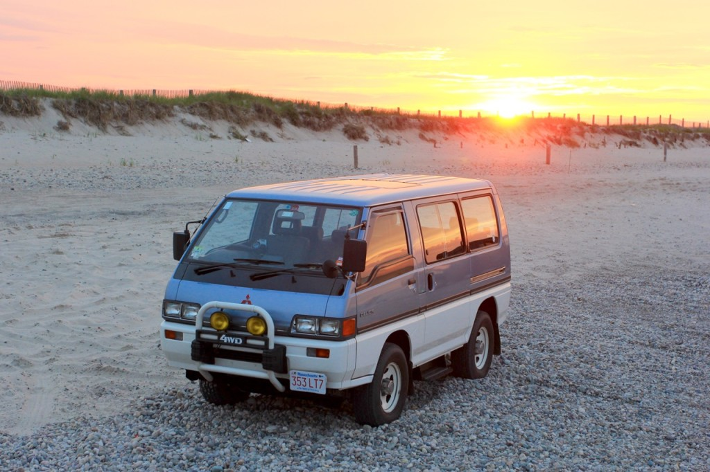 1989-mitsubishi-delica-lead-2